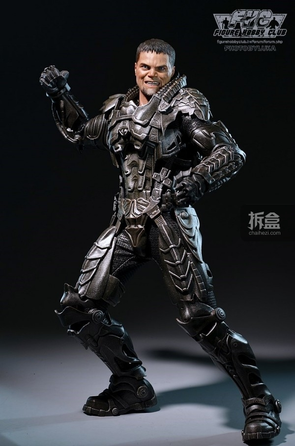 hottoys-man-of-steel-general-zod-luka-024