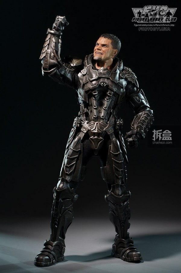 hottoys-man-of-steel-general-zod-luka-025