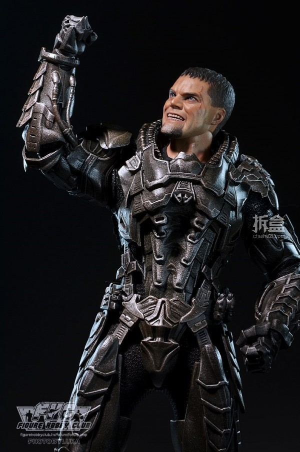 hottoys-man-of-steel-general-zod-luka-026