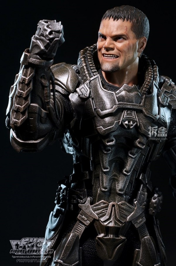 hottoys-man-of-steel-general-zod-luka-028