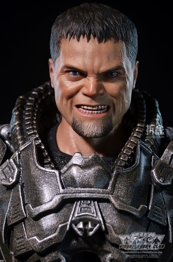 hottoys-man-of-steel-general-zod-luka-036