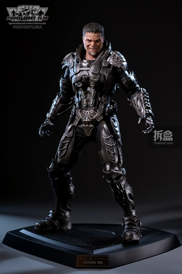 hottoys-man-of-steel-general-zod-luka-038