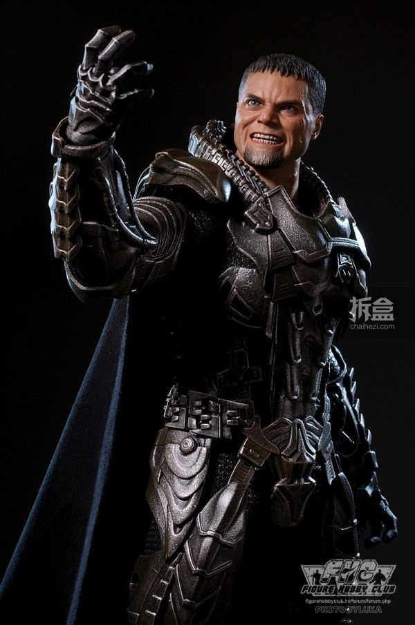 hottoys-man-of-steel-general-zod-luka-041