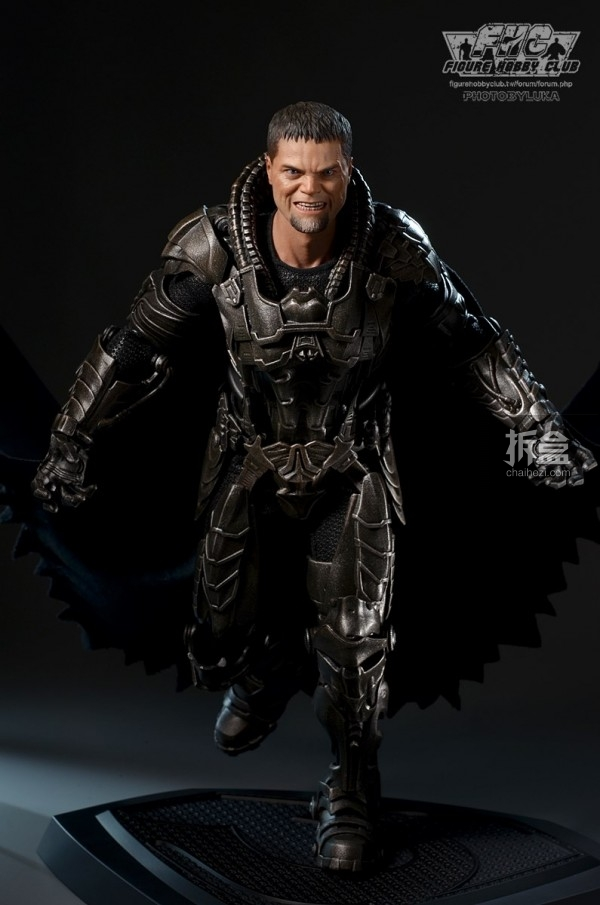 hottoys-man-of-steel-general-zod-luka-042