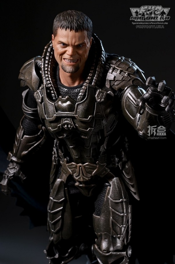 hottoys-man-of-steel-general-zod-luka-044