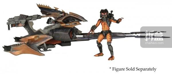 图中的铁血战士人偶是另外发售的