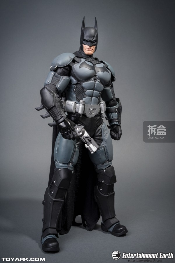 NECA-Arkham-Batman-001