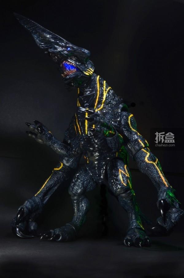 NECA-PacificRim-Knifehead-005