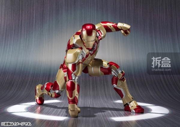 S.H. Figuarts-IronmanMark42-003