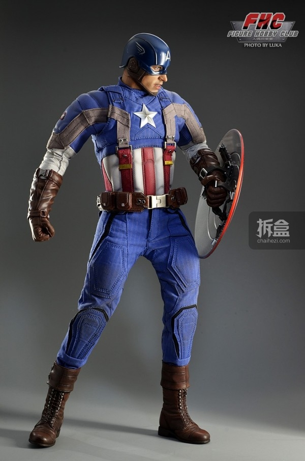 hottoys-Luka-captain-010