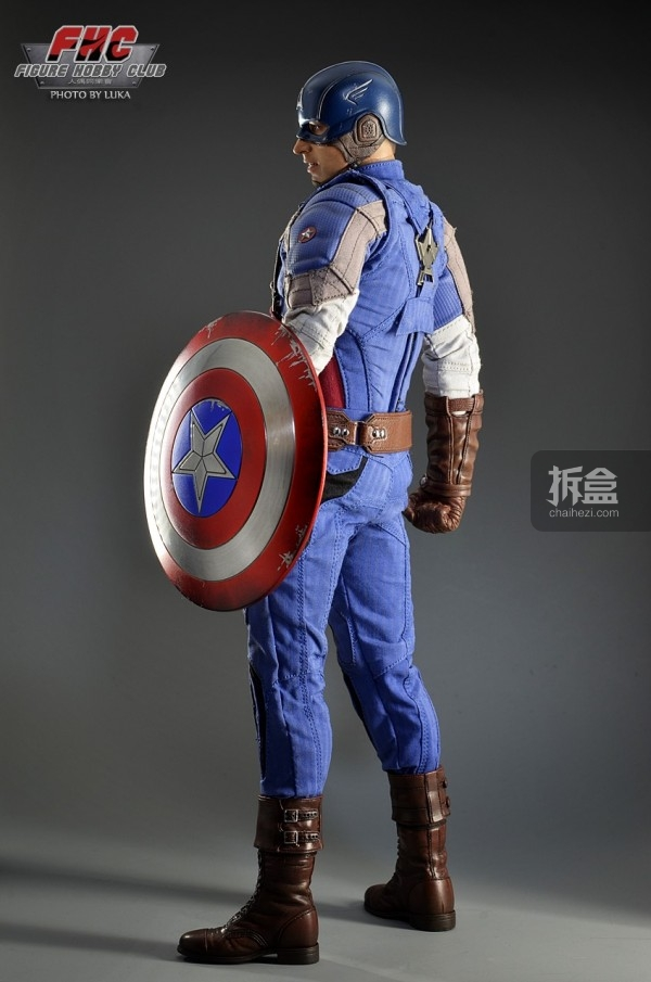 hottoys-Luka-captain-011