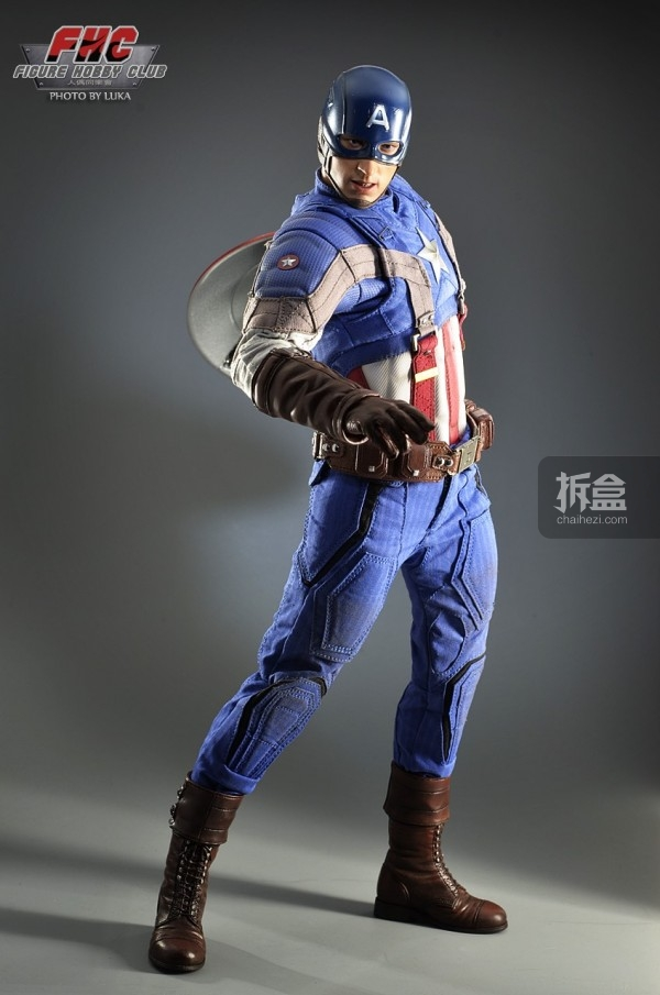 hottoys-Luka-captain-014