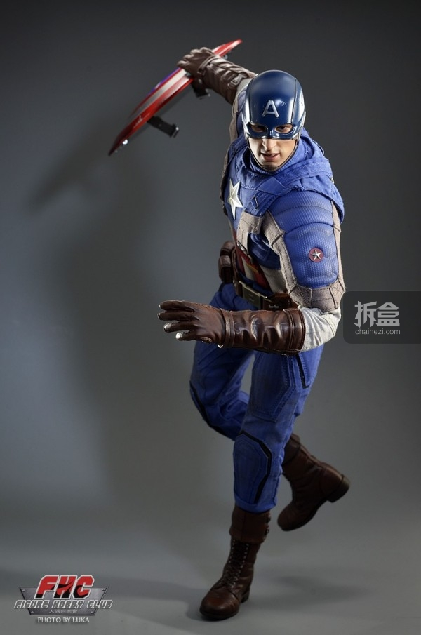 hottoys-Luka-captain-023