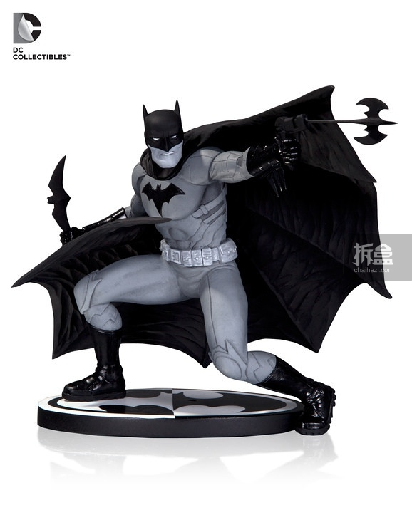 Batman Black and White statues, art Francis Manapul