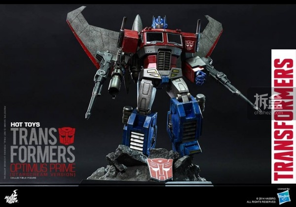 HotToys-TF-Optimus-ver-starscream-02