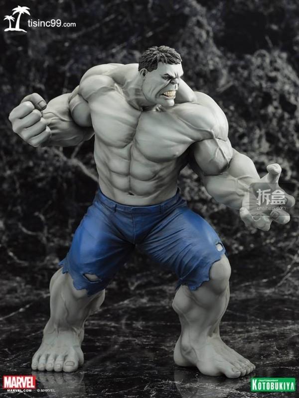 Marvel-Grey-Hulk-ARTFX-Statue-SDCC-003
