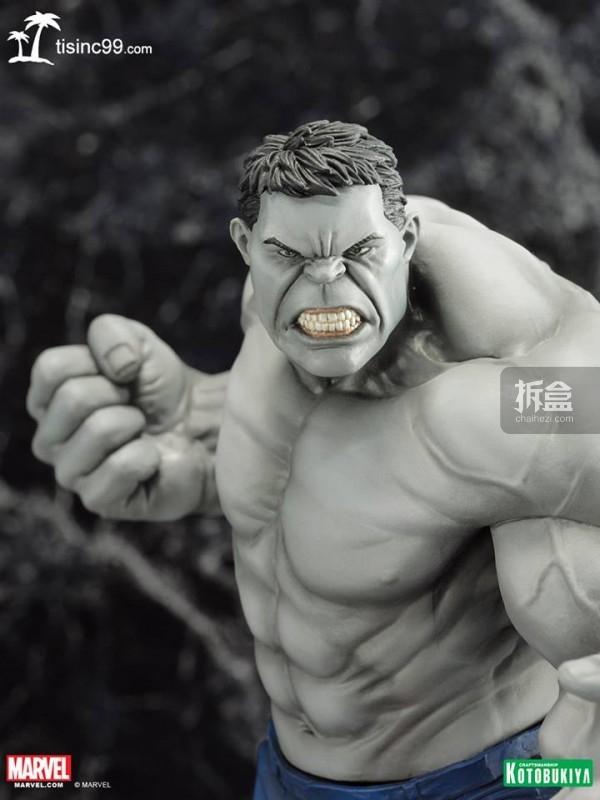 Marvel-Grey-Hulk-ARTFX-Statue-SDCC-005