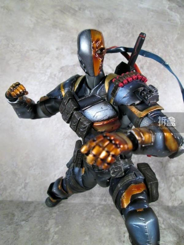 PlayArtsKai-Arkham-batman-13
