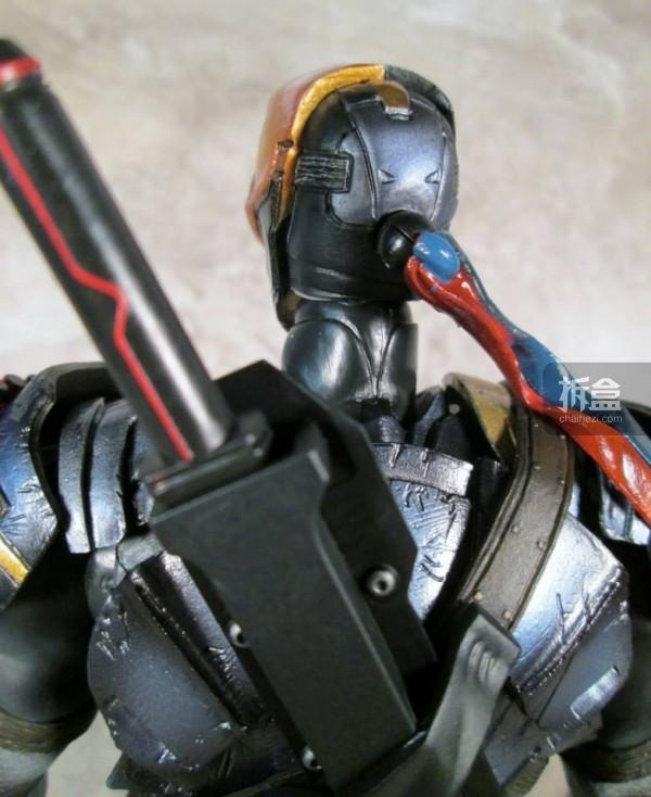 PlayArtsKai-Arkham-batman-16
