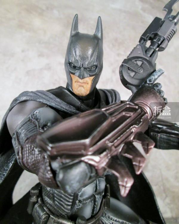 PlayArtsKai-Arkham-batman-20