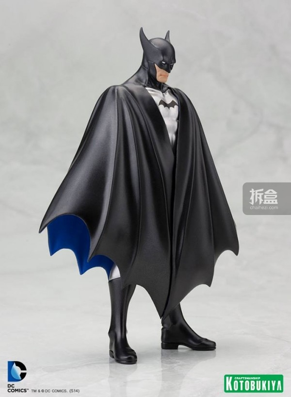 SDCC-1st-Appearance-Batman-ARTFX-Statue-2