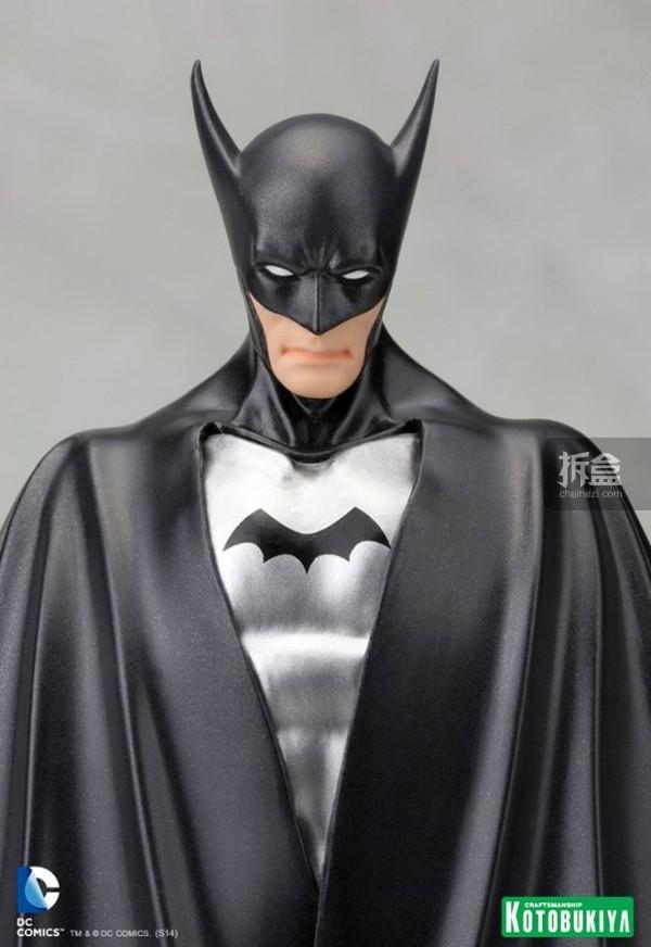 SDCC-1st-Appearance-Batman-ARTFX-Statue-5