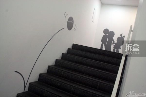 楼梯的布置也紧扣高达主题