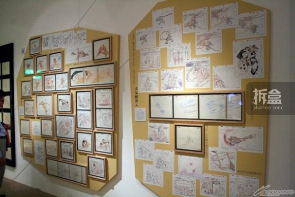 展示570件安彦良和的铅笔原画作品