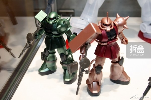 HGUC シャア専用ザク&量産型ザクTHE ART OF GUNDAM OSAKA Metallic Edition 2,200円