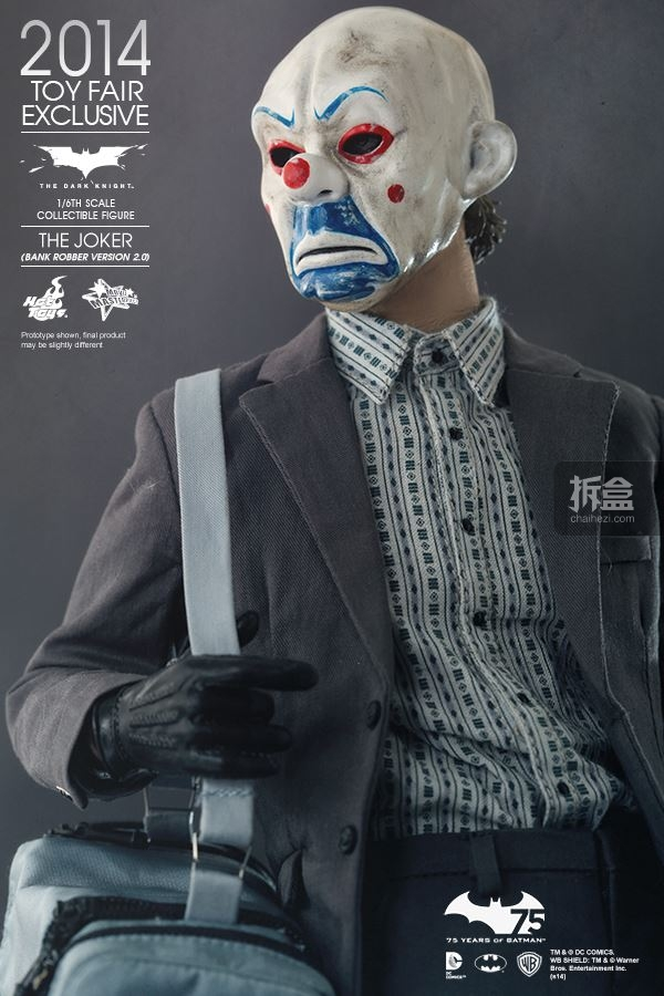 hottoys-2014-robber-joker-13