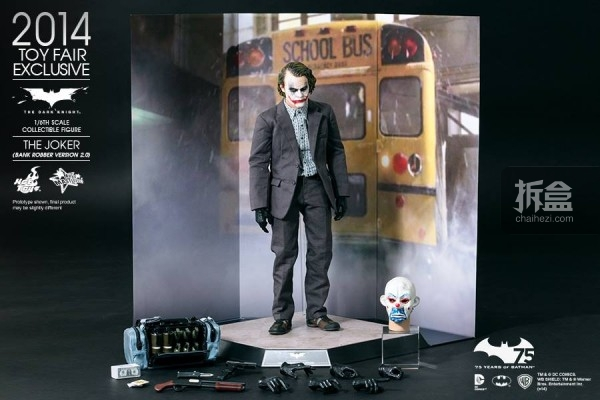 hottoys-2014-robber-joker-15