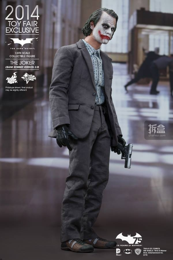 hottoys-2014-robber-joker-5