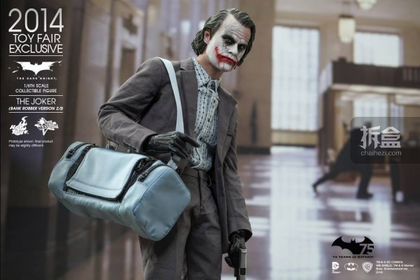 hottoys-2014-robber-joker-7