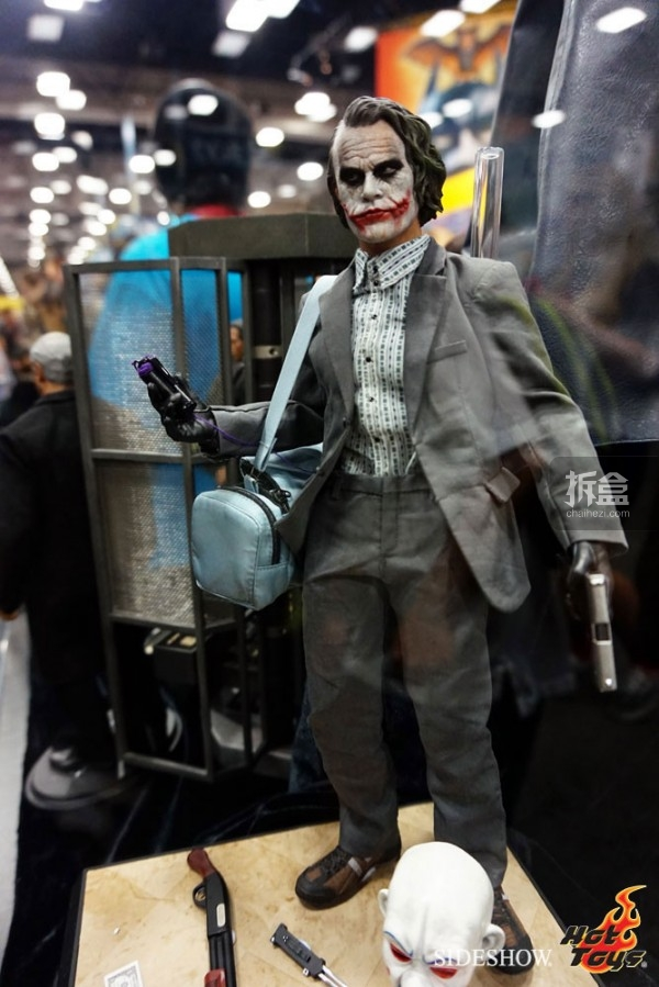 hottoys-2014sdcc-booth-010