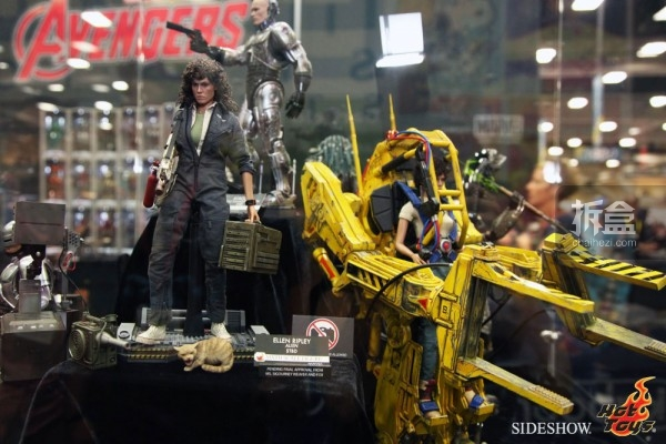 hottoys-2014sdcc-booth-019