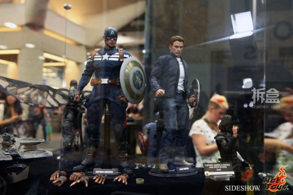hottoys-2014sdcc-booth-021