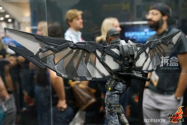 hottoys-2014sdcc-booth-022