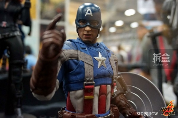 hottoys-2014sdcc-booth-023
