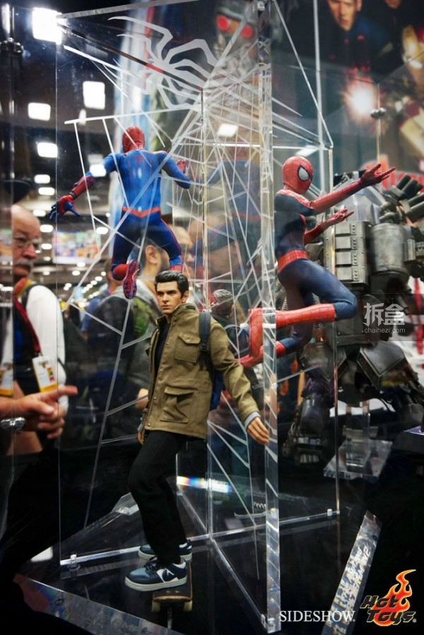 hottoys-2014sdcc-booth-026