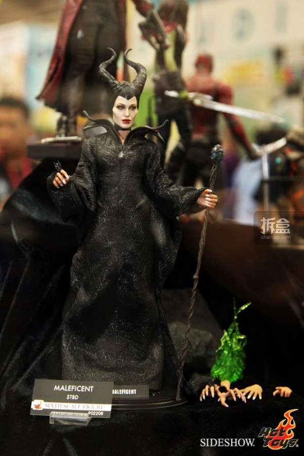 hottoys-2014sdcc-booth-035
