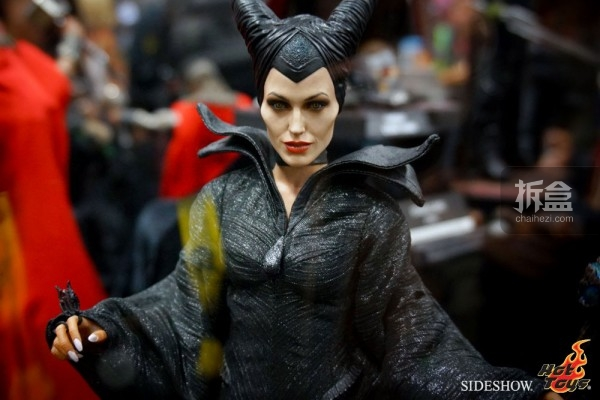 hottoys-2014sdcc-booth-039