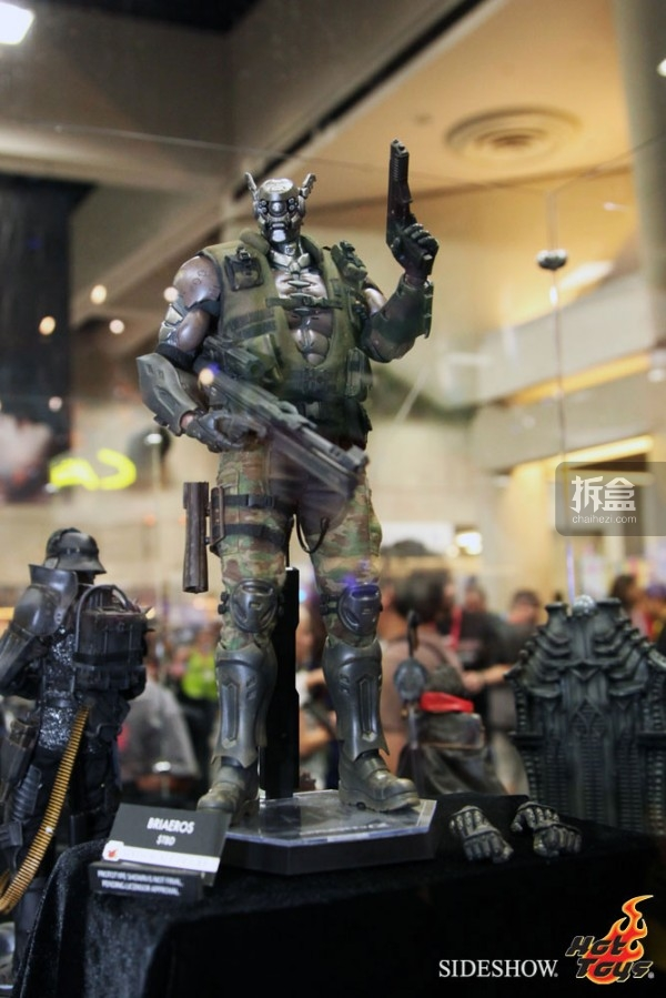hottoys-2014sdcc-booth-041