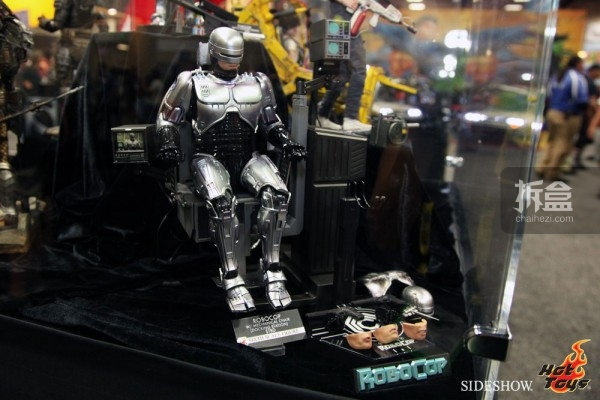 hottoys-2014sdcc-booth-042