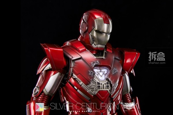 hottoys-silver-Centurion-Dick-32
