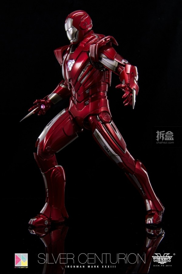 hottoys-silver-Centurion-Dick-42