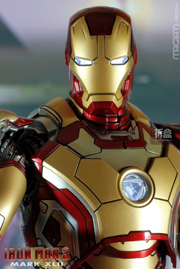 HotToys-mark42-magiam-005