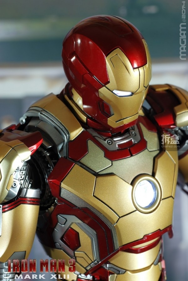 HotToys-mark42-magiam-008