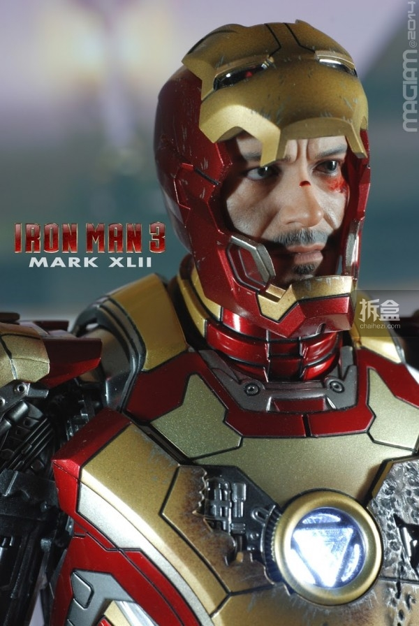 HotToys-mark42-magiam-009