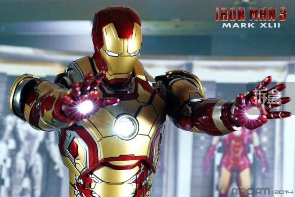 HotToys-mark42-magiam-011