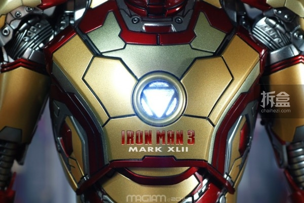 HotToys-mark42-magiam-012
